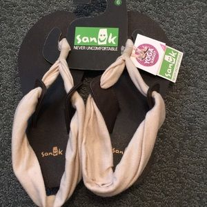 Sanuk slinglet yoga sandals